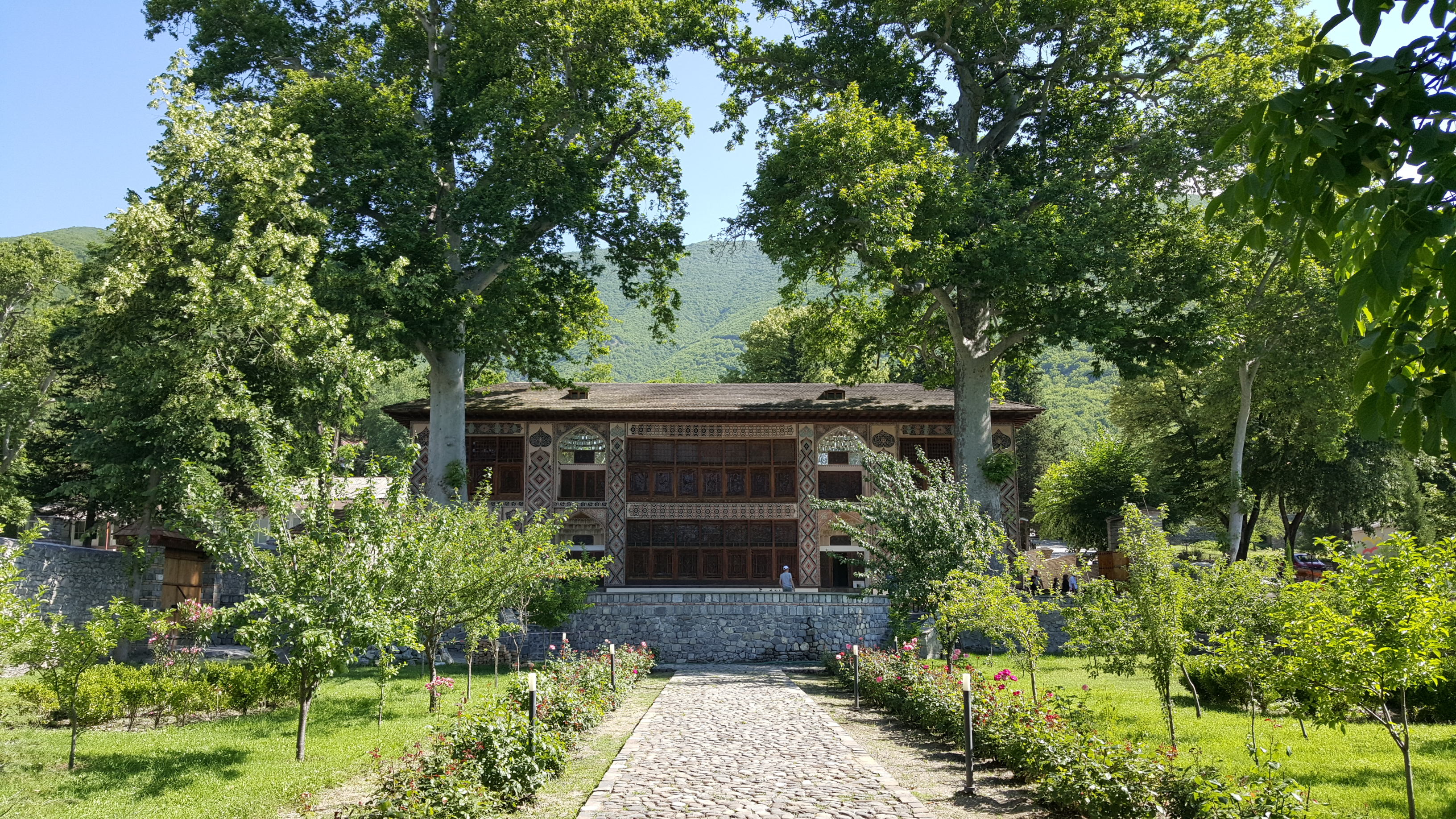 Giardino del Palazzo del Khan presso Palace of Shaki Khans, ph. PaN
